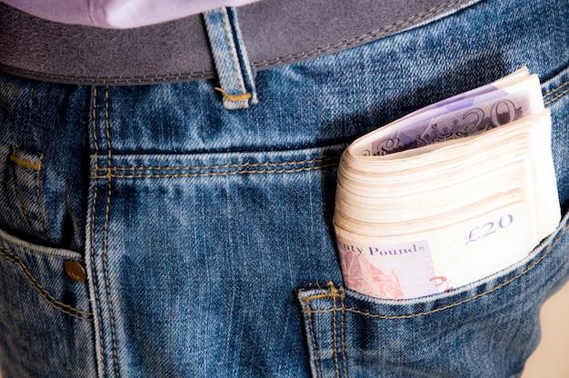 Libra en tus jeans de bolsillo