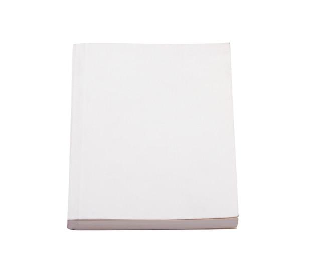 Libro blanco aislado sobre un fondo blanco.
