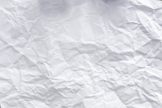 Libro blanco sobre la mesa