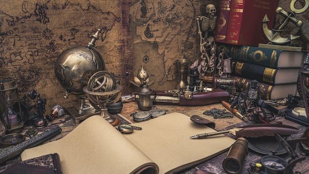 Libro diario con colección pirata