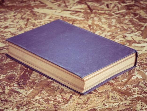 Libro viejo con efecto de filtro retro estilo vintage