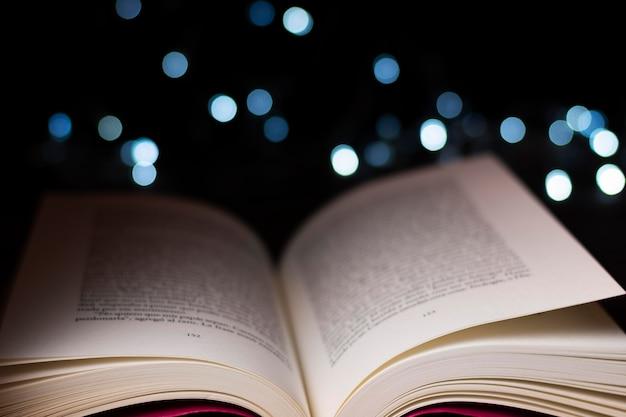 Libros e imaginación bodegón
