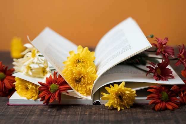 Libros e imaginación bodegón Foto gratis