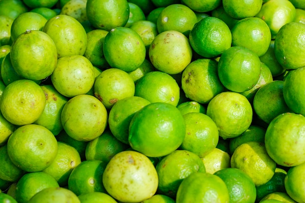 Limón verde y amarillo