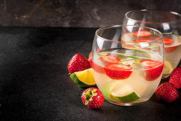 Limonada de fresa y romero