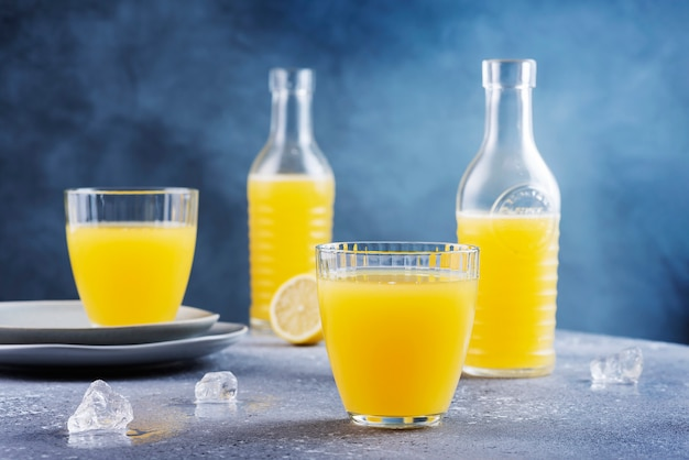 Limonada fresca hecha a mano