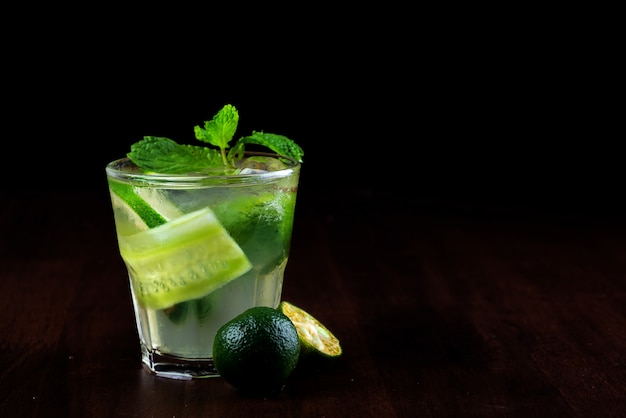 Limonada de pepino congelada en verano