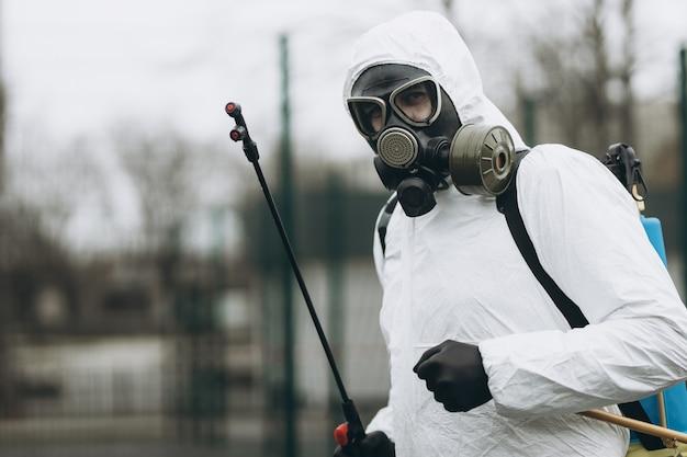 Limpieza y desinfección en la ciudad.