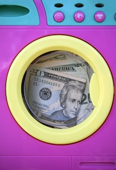 Limpieza de dinero negro metáfora dólar