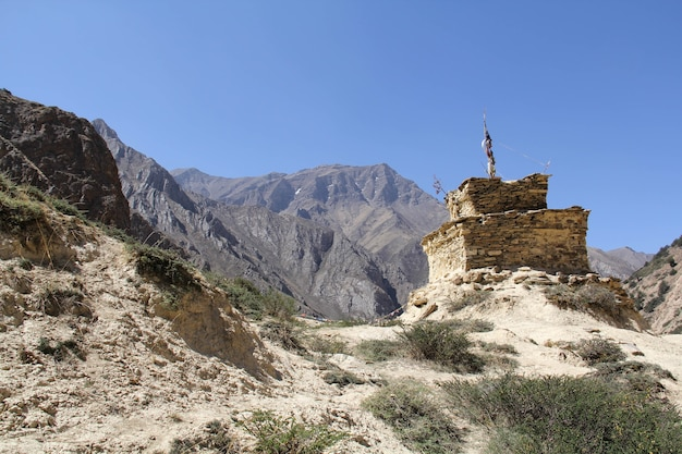 Linda cabaña en el distrito de dolpa, nepal
