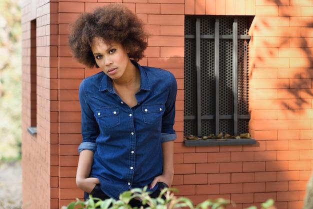 Linda camisa azul ocasional mezclado