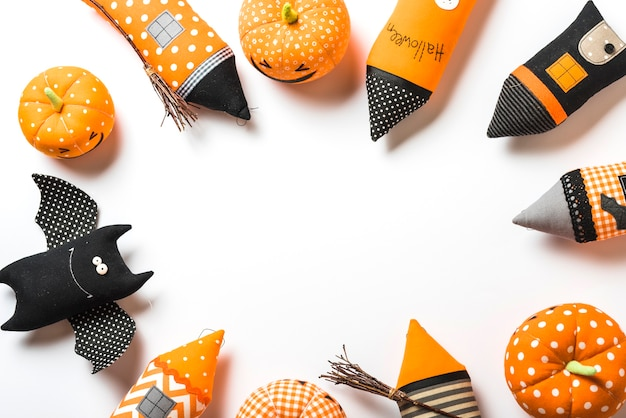 Linda composición de juguetes de halloween