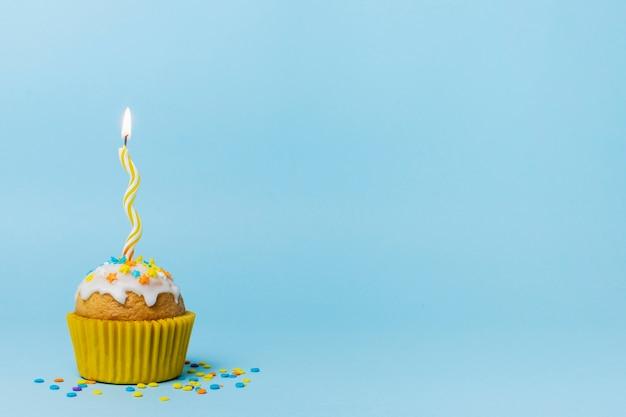 Lindo cupcake con espacio de copia