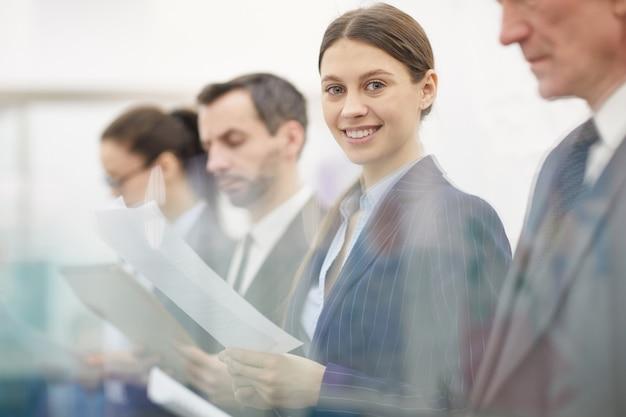 Línea de gente de negocios