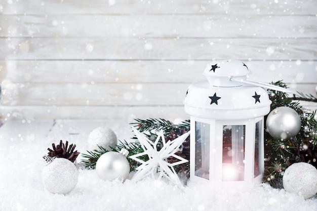 Linterna blanca de navidad