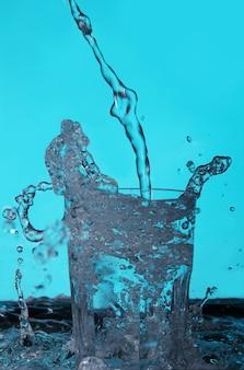 Líquido vertido en el vaso