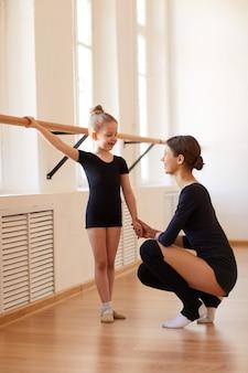 Little ballerina en practice