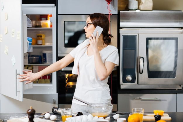 Llamando en la cocina