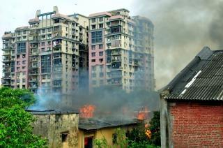 Llamas edificios contra incendios