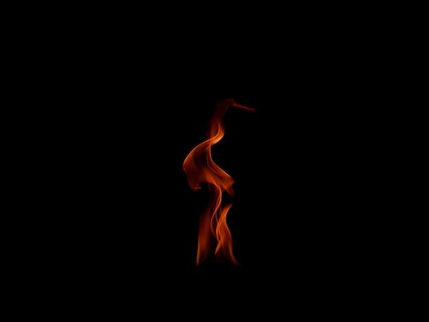 Llamas de fuego aisladas sobre fondo negro