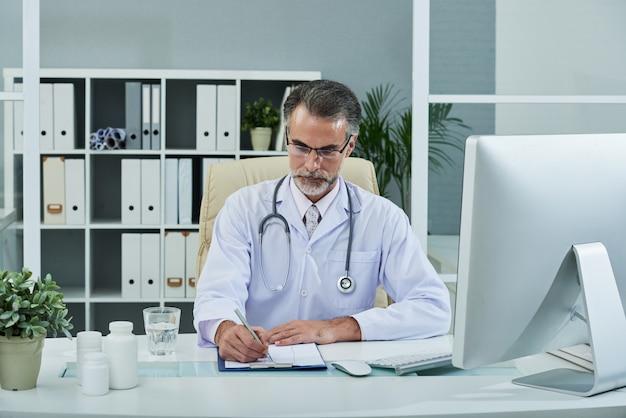 Llenando el historial médico