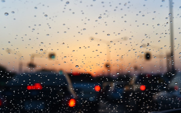 Lluvia caída en auto