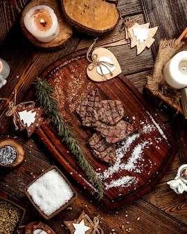 Lonchas de carne asada con sal