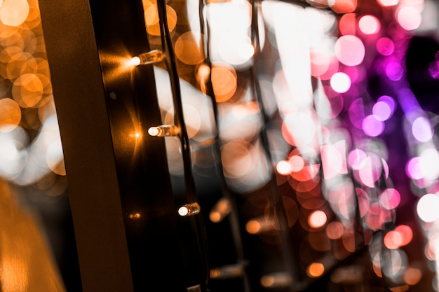 Luces centelleantes y decoración de fondo de navidad.