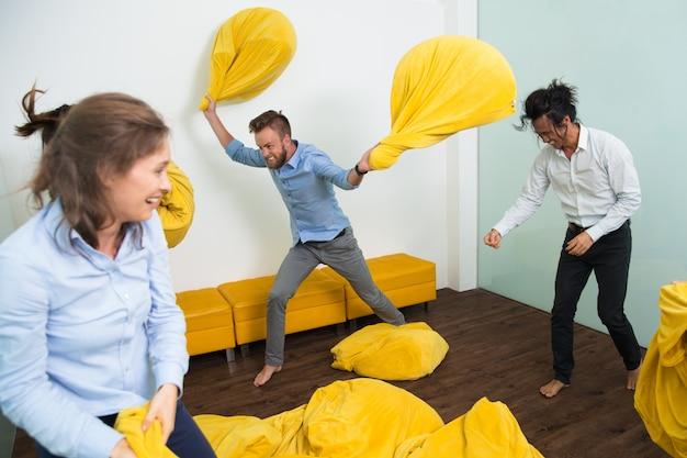 Lucha pelotita loca en el encuentro con los amigos