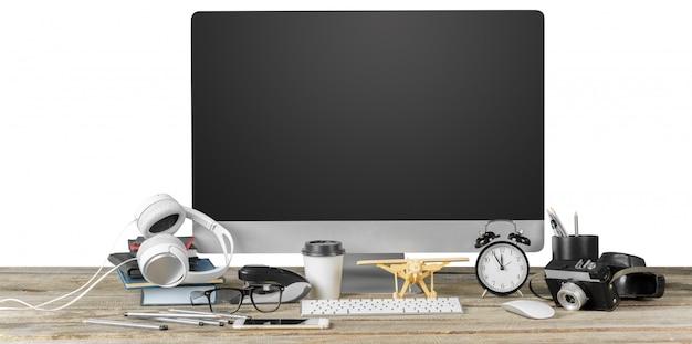 Lugar de trabajo del fotógrafo con computadora