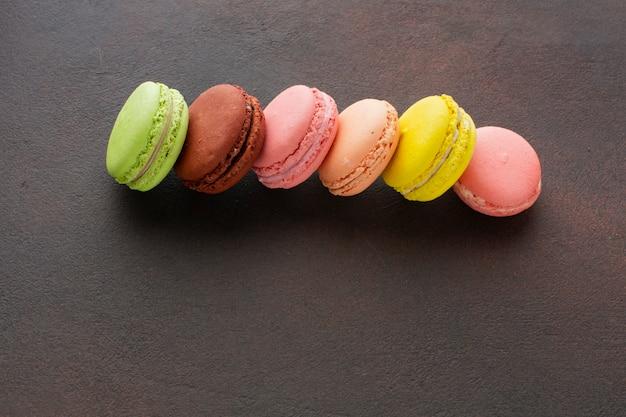 Macarons coloridos de cerca