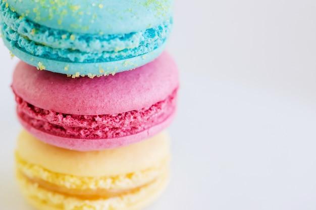 Macarons franceses de colores