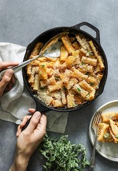 Macarrones al horno caseros veganos macarrones con queso