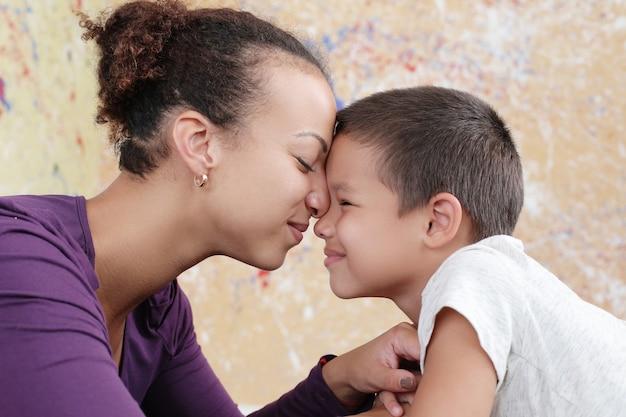 Madre con hijo