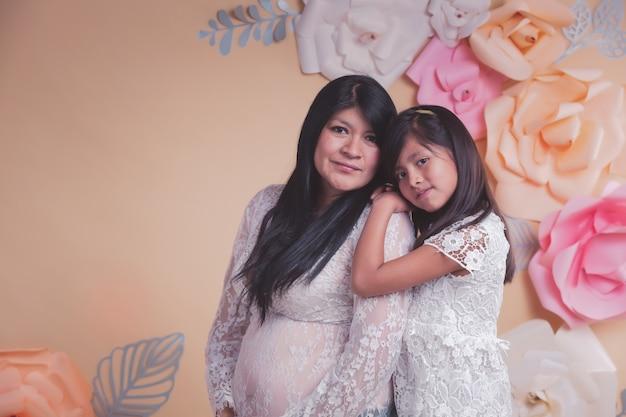 Madre mexicana e hija