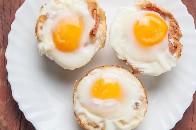 Magdalenas de tocino y huevo