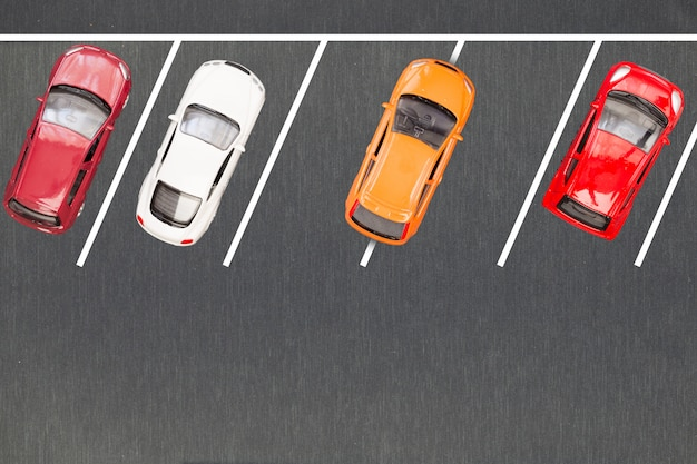 Mal estacionamiento. coche estacionado incorrectamente