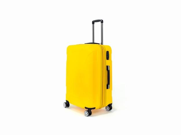 Maleta amarilla o equipaje amarillo para viajar en blanco.
