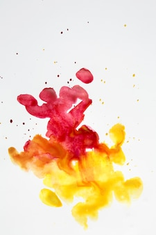 Manchas artísticas coloridas de salpicaduras de acuarela