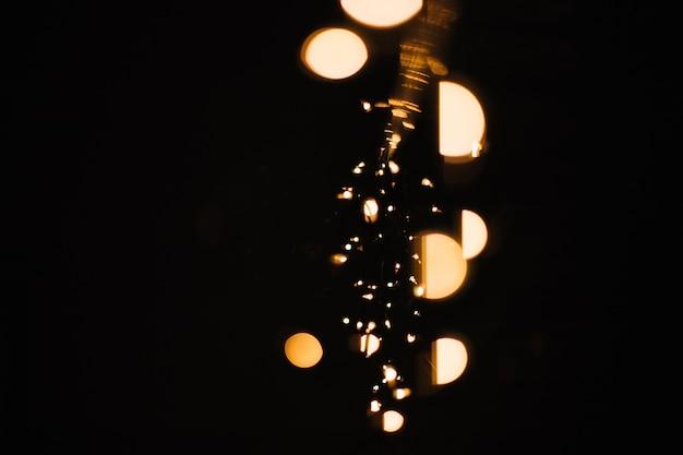 Manchas de luz dorada