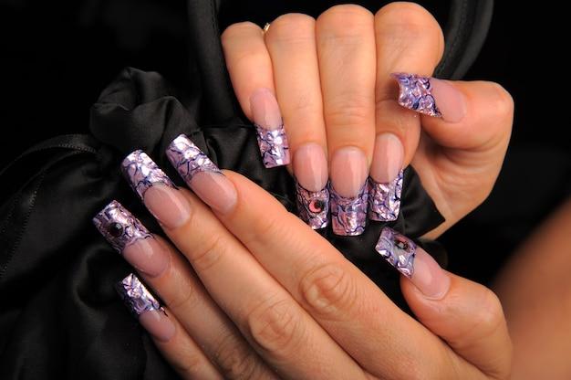 Manicura hermoso patrón en las uñas