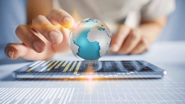 Mano de hombre de negocios trabajando con tecnología moderna tableta como concepto de red social