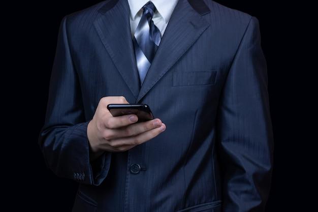 Mano de hombre de teléfono inteligente