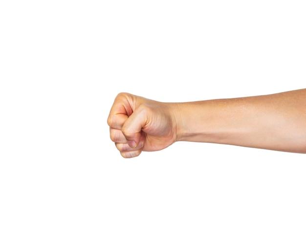Mano masculina en puño que perfora hacia fuera en el fondo blanco
