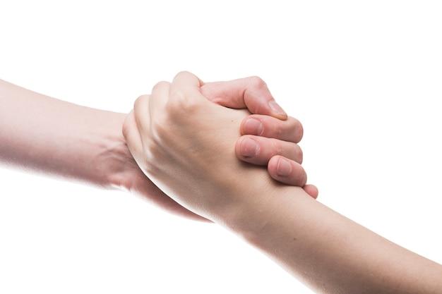 Manos agarrándose el uno al otro