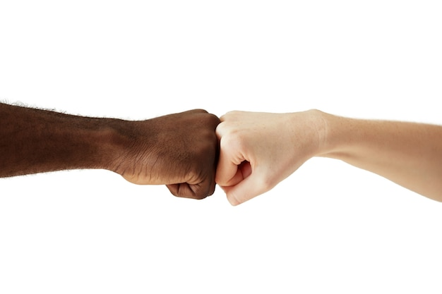 Manos humanas interraciales aisladas