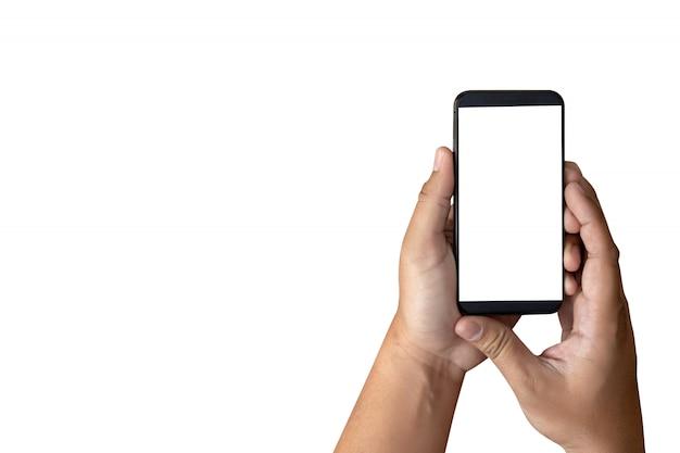 Manos de maqueta con teléfono móvil con pantalla en blanco