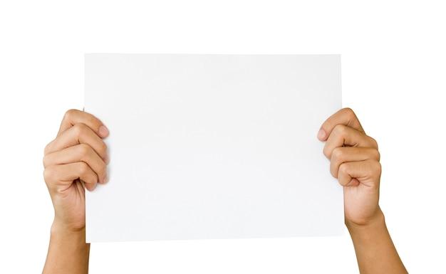 Manos sosteniendo y levantarse hoja de papel blanco, cartel o póster
