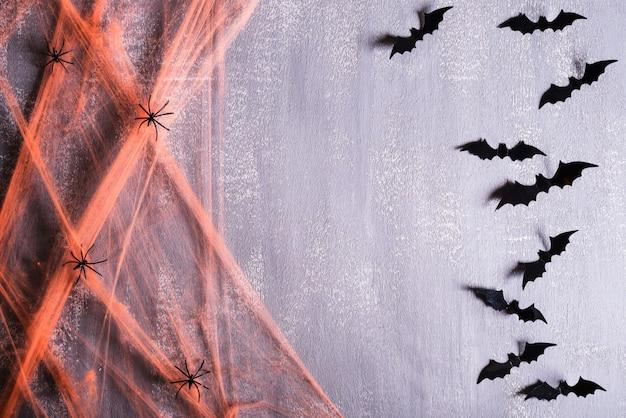 Manualidades de halloween en gris con copyspace.