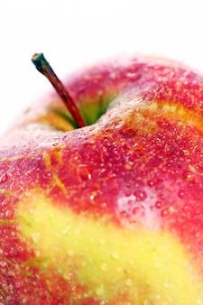 Manzana fresca y húmeda